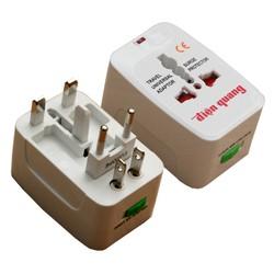 Ổ cắm điện du lịch đa năng Điện quang TV01
