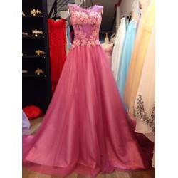 Váy cưới đơn giản, ren 3D có điểm pha lê