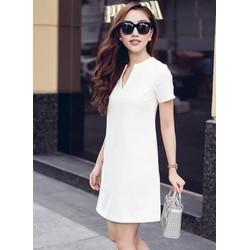 Đầm suông màu trắngthiết kế tay ngắn đơn giản M31040