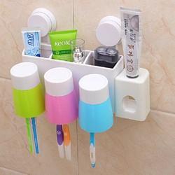 Bộ nhả kem đánh răng tự động  kẹp bàn chải  3 cốc
