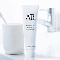 Kem làm trắng răng AP24