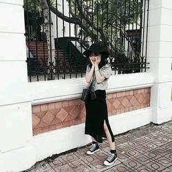 Chân váy xẻ tà