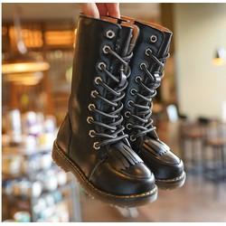 Giày trẻ em combat boot tua rua
