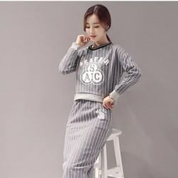 Hàng nhập - Set áo và chân váy sọc in chữ size M,L,XL-LL01121