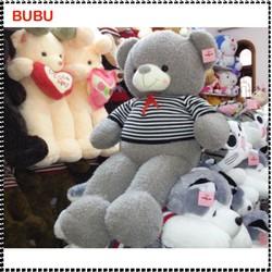 Gấu bông Teddy mặc áo len