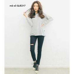 Quần jean nữ hot girl lưng cao 1 nút rách 1 bên sành điệu QJE217