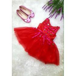 Đầm công chúa hoa rơi diện ngày Noel