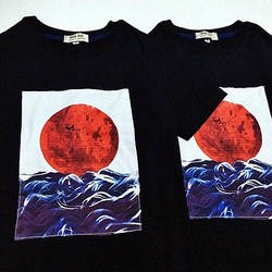 Áo thun nữ T-Shirt hình mặt trời đỏ