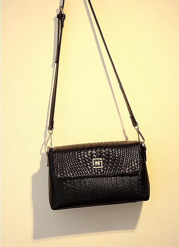 Túi đeo chéo nữ cao cấp logo N - LN779 9