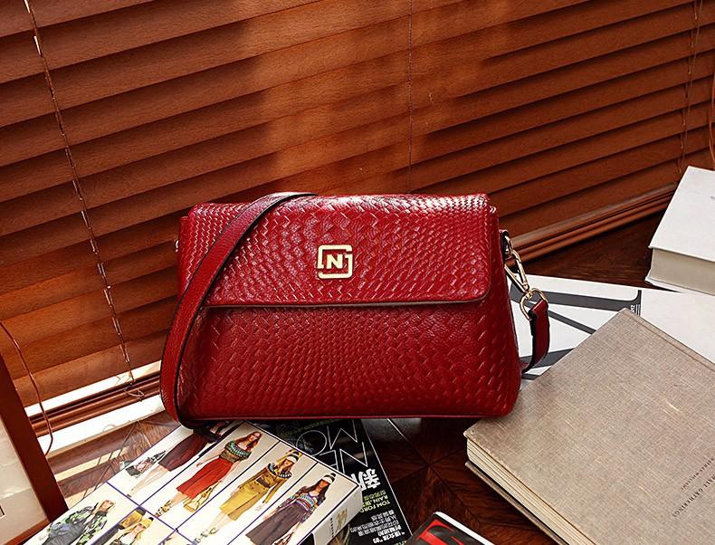Túi đeo chéo nữ cao cấp logo N - LN779 7