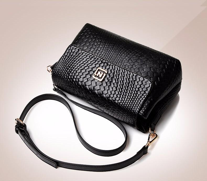 Túi đeo chéo nữ cao cấp logo N - LN779 13