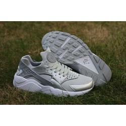 Giày sneaker HUA