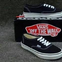 Giày vans dành cho nam và nữ!