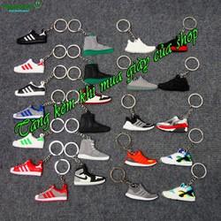 Combo 2 móc chìa khóa, tặng kèm mỗi chiếc khi mua giày của Shop
