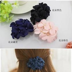 Kẹp tóc hoa xinh