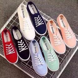 giày thể thao thắt dây đơn giản