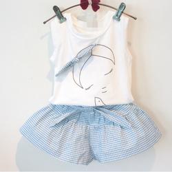 Bộ quần áo bé gái