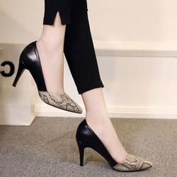 giày cao gót phối da rắn màu đen