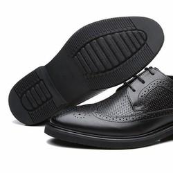 Giày tây chất liệu da bóng đẹp kiểu dáng mới sang trọng lịch sự