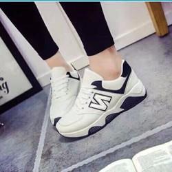 Giày thể thao chữ N cá tính