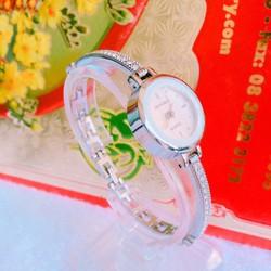 Đồng hồ vòng tay đáng yêu