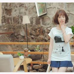 Áo thun mèo nhìn cá heo phong cách Nhật Bản