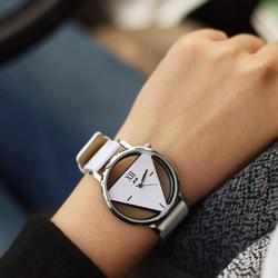 Đồng hồ tam giác sành điệu cá tính