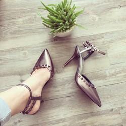 giày cao gót mũi nhọn đinh tán cao cấp