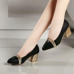 Giày cao gót đế vuông phối kim tuyến