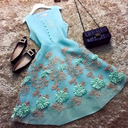 Đầm xốp chân hoa