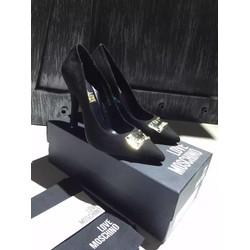Giày cao gót nữ đế nhọn chắc chắn tôn thêm vẻ sang trọng cho phái nữ