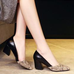Giày gót vuông phối da rắn DV168 - Màu đen