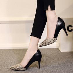 Giày gót nhọn phối da rắn DV184 - Màu đen