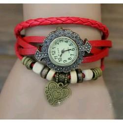 đồng hồ lắc tay trái tim