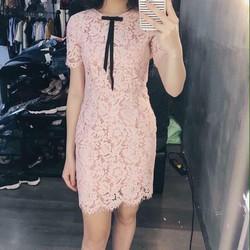 đầm ôm nhẹ ren chỉ nơ cổ cực xinh Fne Dress