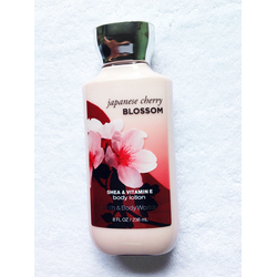 Dưỡng thể Bath and Body Works Lotion Cherry Blossom