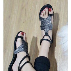 Giày sandal nữ giá rẻ
