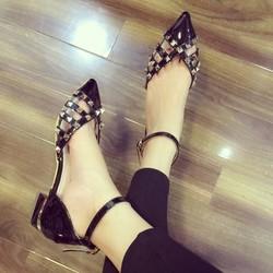 giày cao gót kín mũi