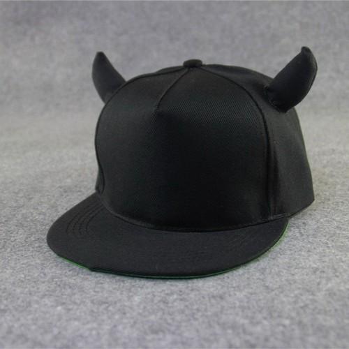 Nón hip hop sừng trâu NK430 Màu đen cung cấp bởi WINWINSHOP88