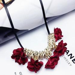 Dây chuyền hoa hồng rũ cực đẹp