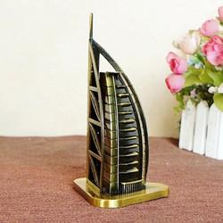 Mô hình khách sạn Burj Al Arab cao 15 cm của WINWINSHOP88
