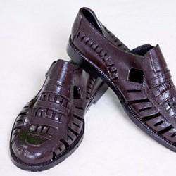 Giày nhựa loại dán