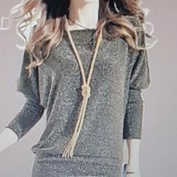 Đầm ôm nữ thiết kế tay cánh dơi, phong cách trẻ trung sang trọng.