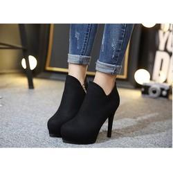 Giày boot cao gót nỉ có size 34
