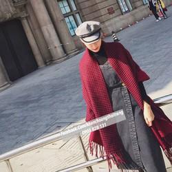 khăn choàng cao cấp đỏ chấm đen