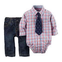 Áo body sơ mi Carter caro xanh đỏ với quần jeans và cravat