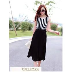Đầm dún sọc trắng đen quyến rũ VD210