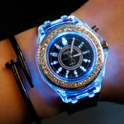 Đồng hồ Geneva G11 đính full hạt có LED - Đen