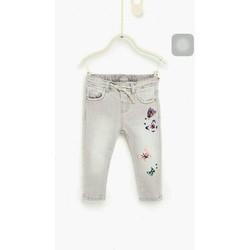 Quần jeans bé gái xuất xịn chất đẹp form chuẩn lên dáng