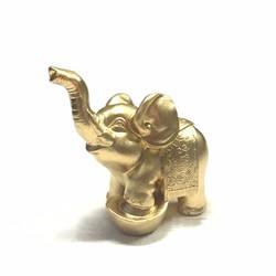 Tượng Voi Thỏi Vàng Đá Tự Nhiên - màu nhủ đồng